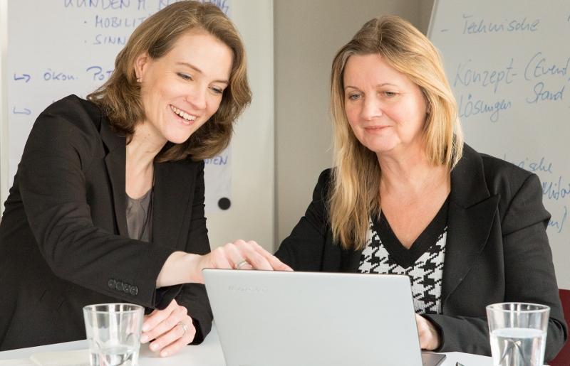 Kerstin Hoffmann-Wagner und Gudrun Jostes beraten Sie gemeinsam